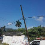 Se solicita a empresas de telecomunicaciones retiro de postes